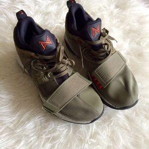 Nike PG 1 Element Basketball Shoes